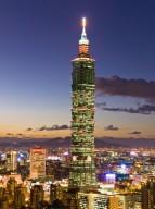 Der Taipei 101 in Taipeh bei Nacht