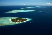 Blick auf eine Insel der Malediven