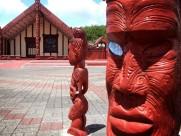 Maori-Schnitzereien