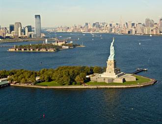 Die Freiheitsstatue vor New York