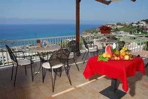 Meerblick von einer Terrasse des Hotel Imperamare