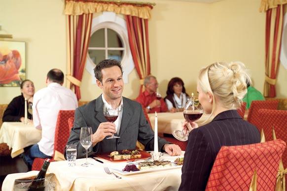 romantisches Essen im Wellnessurlaub in Österreich
